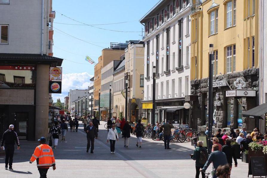 Yksi mukana olevista kehittämisideoista on kaupunkitanssien järjestäminen Rotuaarilla.