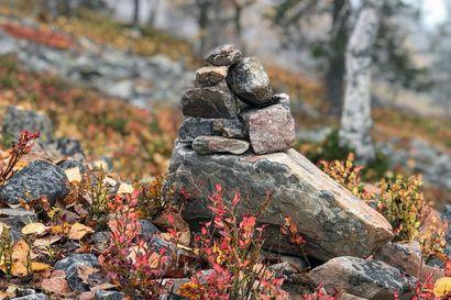 Metsähallitus muistuttaa Lapissa retkeileviä: Ethän kasaa kiviä, mutta älä myöskään pura kasoja –katso miltä näyttää muinainen leivinuuni