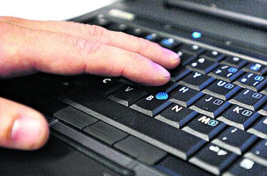 Informaatiosotaa käydään netissä, jossa levitetään valheellisia tietoja, sepitteellisiä kommentteja ja kuvamanipulaatioita.
