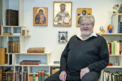 """Emerituspiispa Samuel Salmi rohkaisee pappeja avoimeen keskusteluun – """"Jos keskustelua käydään syyttävään sävyyn, vinoillen, haavoja tulee enemmän"""""""