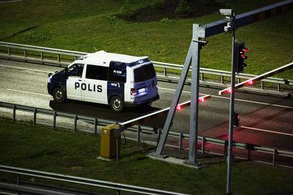 Syyttäjä vaatii Porvoon ampujaveljeksille rangaistusta 13 murhan yrityksestä