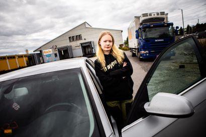 Miia Tuisku, 18, hankki ajokortin jo alaikäisenä ikäpoikkeusluvalla –Lapissa ajokortillisten 17-vuotiaiden määrä on huomattava
