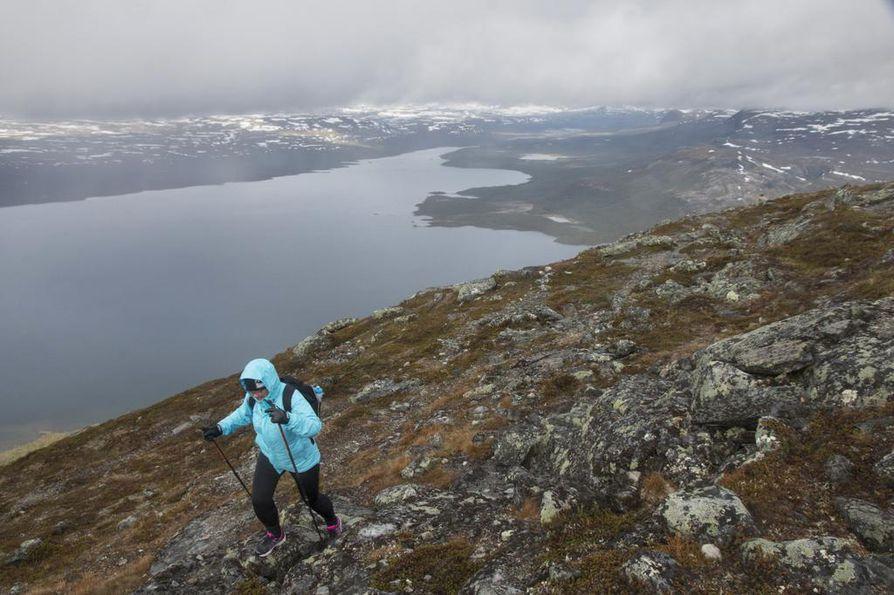 Kilpisjärven Saana-tunturi on retkeilijöiden suosima kohde.