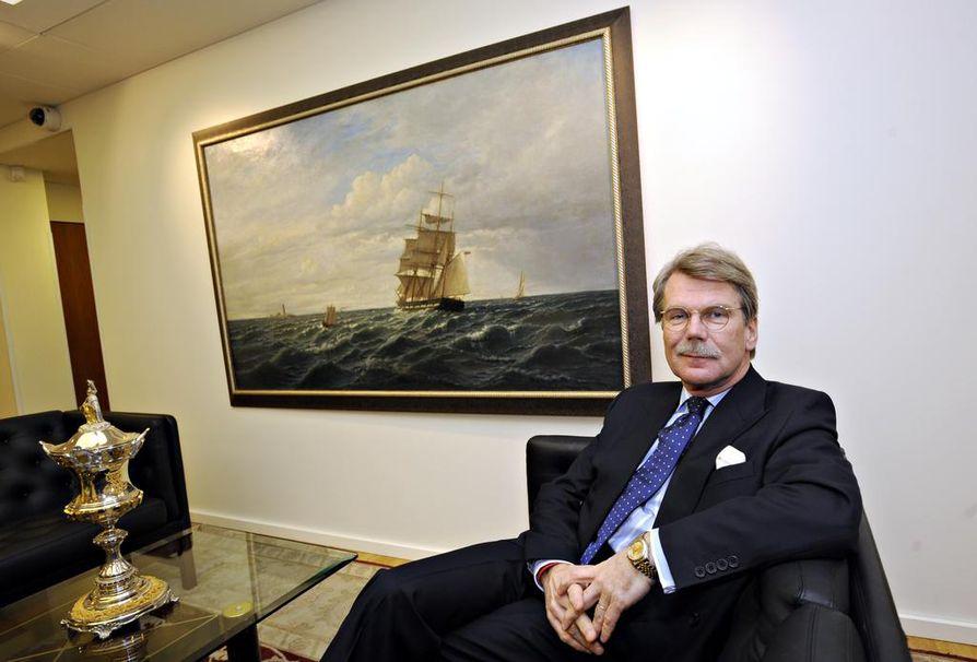 - Mikäli haluamme parantaa maailmaa, tarvitsemme enemmän emmekä vähemmän kapitalismia, Björn Wahlroos sanoo.