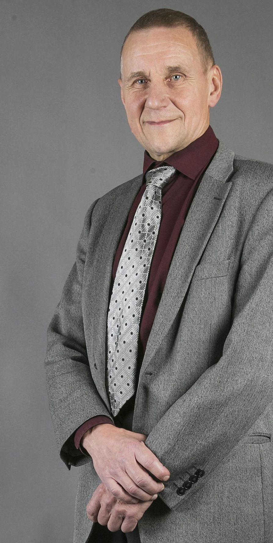 Yrjö Rautio, esseekuva.