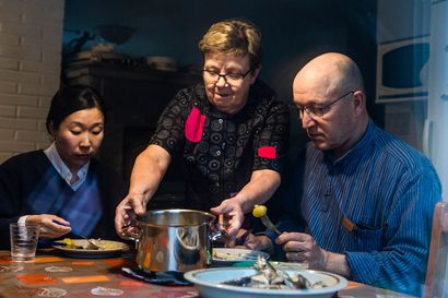 Tällainen on posiolainen eräherkku – Etelä-Lapin pieni kunta houkuttelee turisteja paikallisten ruokapöytiin asti tutustumaan aitoon arkeen