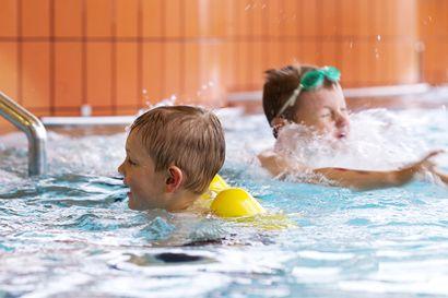 Kemin uimahallin lastenaltaat suljetaan ensi viikolla kattoremontin vuoksi tammikuun loppupuolelle asti