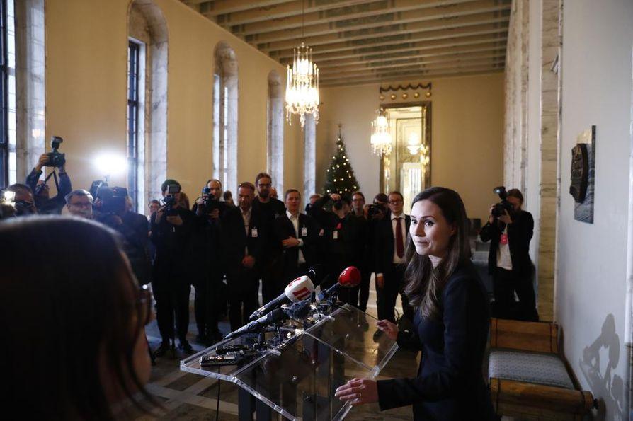Sanna Marin puhui medialle eduskunnassa ensi kertaa pääministerinä.