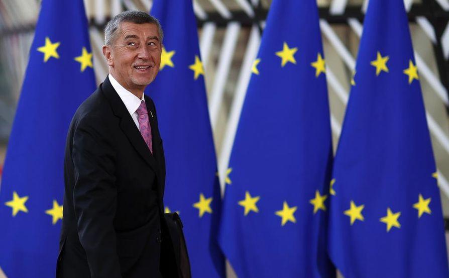 Tsekin pääministeri Andrej Babis saapumassa perjantaina Brysselissä kokouspaikalle.