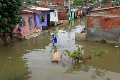 """Syksyn voimakkain hurrikaani iski Nicaraguaan – """"Meitä lähestyy pommi"""""""