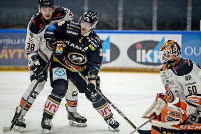 Liigajumbo Sport pestasi maalinsa suulle HPK:sta Rasmus Reijolan