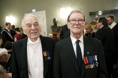 Kahden sodan veteraanit juhlivat Linnan kunniavieraina – rovaniemeläiset Aarne Rautiola ja Arvi Räsänen tietävät, miltä kovilla ampuminen tuntuu