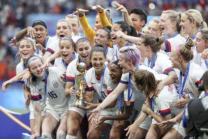 Tuomari hylkäsi Yhdysvaltain naisten jalkapallomaajoukkueen korvausvaatimukset
