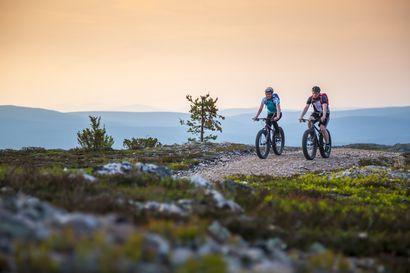 Pohjoismaiden paras ulkoilukohde Ylläs tarjoaa tekemistä koko perheelle – Tunturissa pyörän selässä voi unohtaa kaiken muun