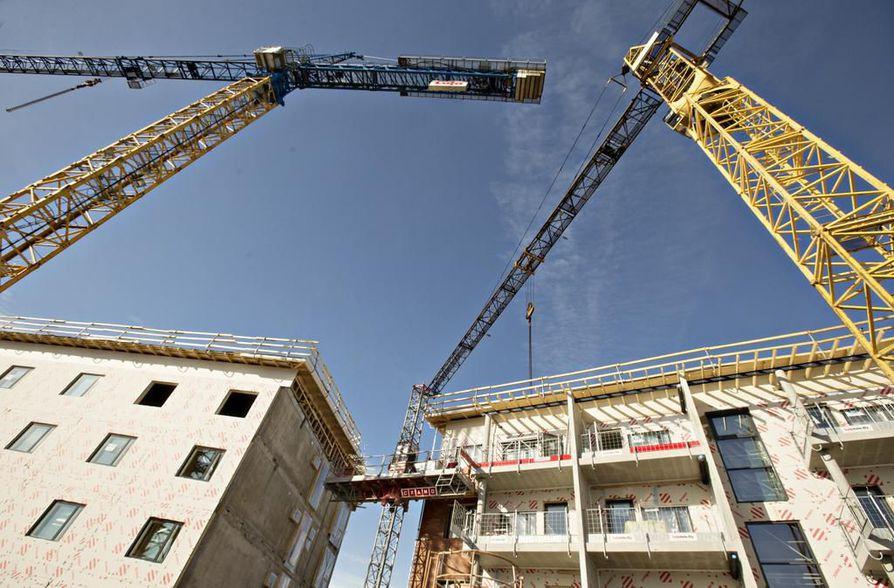 Oulussa asunto-osakkeen arvonlisäverollinen välitysprosentti nousi 0,05 prosenttiyksikköä ja kiinteistöjen vastaava 0, 04 prosenttiyksikköä.