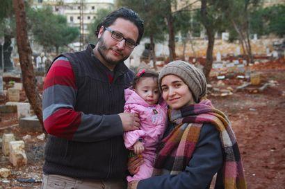 Sinnikäs perhe ei jätä kotiaan Aleppon pommituksissa – äiti halusi kuvata dokumentin tyttärelleen