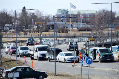 Oulun kaupunki suosittelee kaupunkilaisia välttämään kaikkea matkustamista Haaparantaan – myös lyhyet kauppavierailut ovat riski