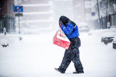 Lappi saanee ensilumen viikonloppuna, paikoin lunta voi pyryttää jopa 10–15 senttiä
