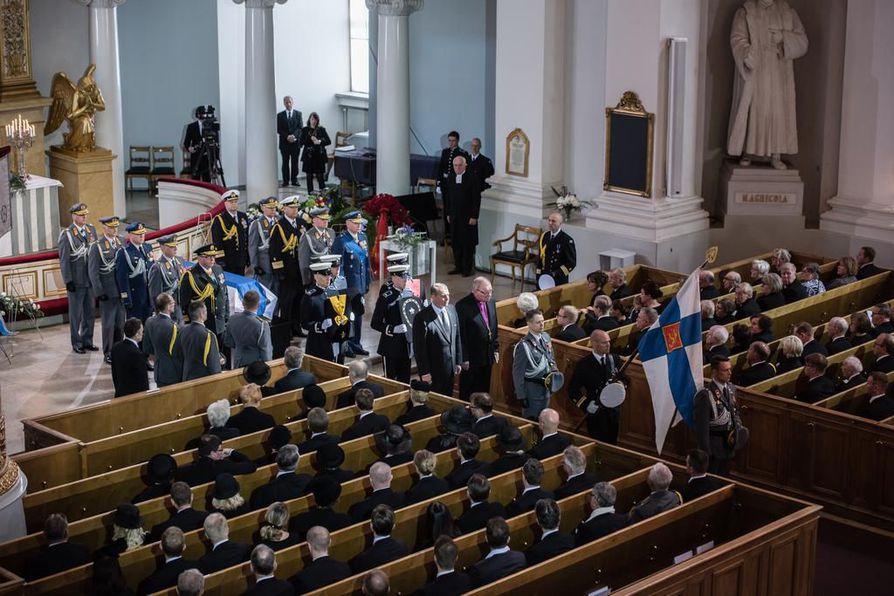 Presidentti Mauno Koivisto siunattiin Helsingin tuomiokirkossa.