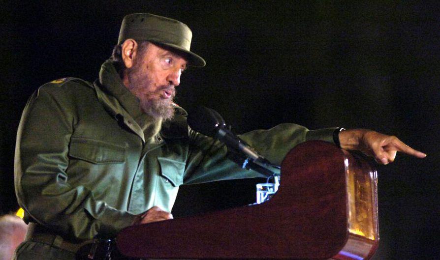 Castron kerrottiin menehtyneen 90 vuoden iässä perjantai-iltana.