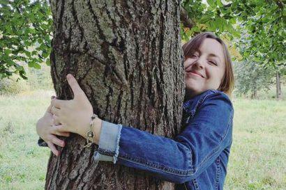 Puiden halaamisesta tuli kansainvälinen ilmiö – Levillä miteltiin ensimmäisen kerran lajin maailmanmestaruudesta