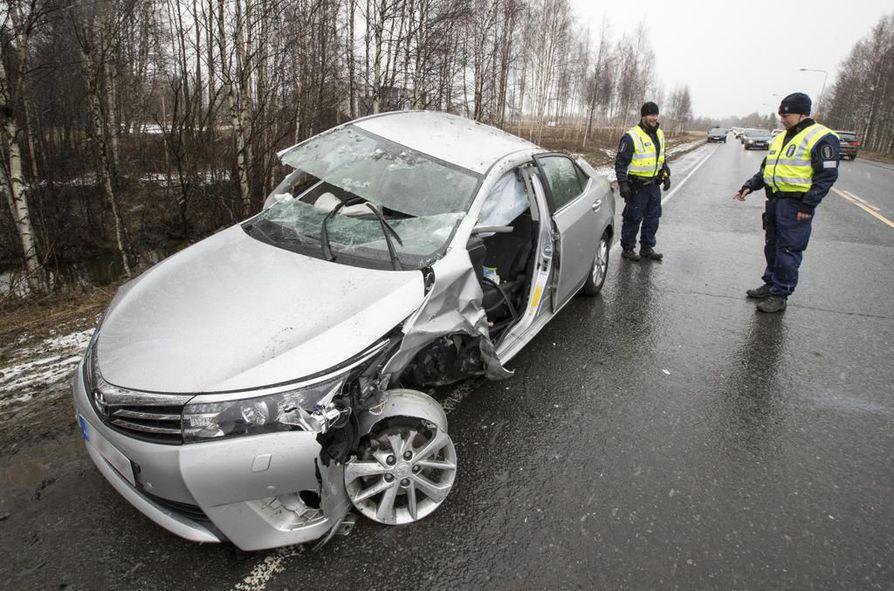 Onnettomuus sattui Raahentiellä Limingassa.