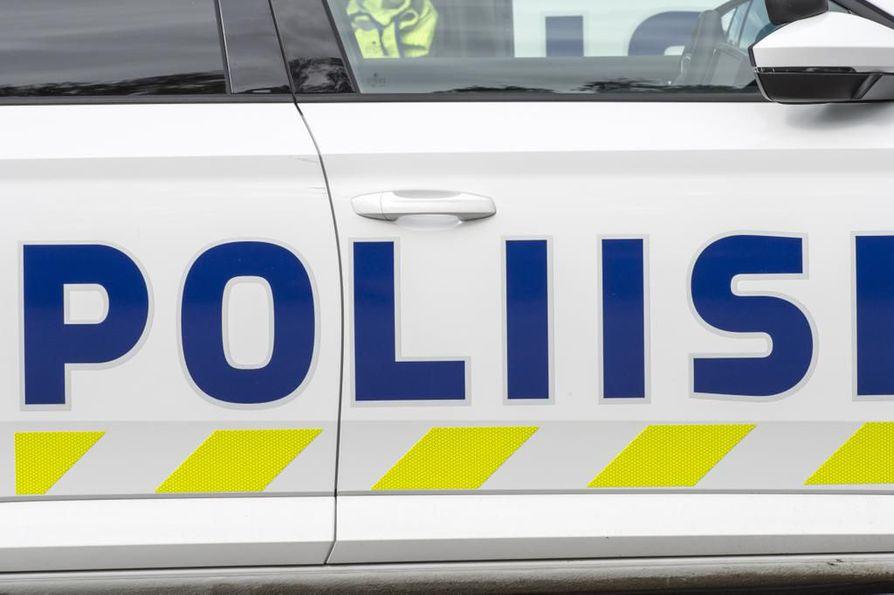 Luumäki sijaitsee Kouvolan ja Lappeenrannan puolivälissä. Onnettomuus sattui Kuutostiellä, jossa on kaksi kaistaa kumpaankin suuntaan.