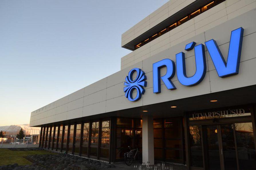 Islannin yleisradioyhtiö Rùv ei toistaiseki aio jättäytyä pois Euroviisuista, vaikka kansalaiset sitä vaativat.