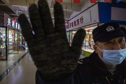 """Näkökulma: Tiedot """"Kiinassa leviävästä uudenlaisesta virustaudista"""" olivat vuosi sitten hataria ja muuttuivat nopeasti"""