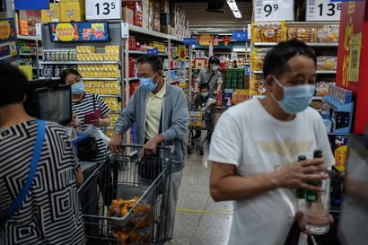 Kiina on maailmantalouden harvoja valopilkkuja pandemiassa, vaikka kasvu hiipuu ennätysalas