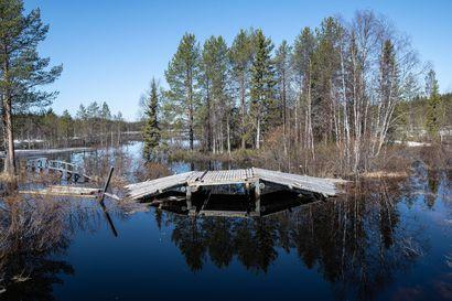Ennätystulva voi kastella taloja Kuusamo-, Muo-, ja Joukamojärvien alueella – Maanmittauslaitoksen laatiman korkeusmallin mukaan näyttäisi, että tällä korkeudella on nyt noin 50 rakennusta vaarassa kastua