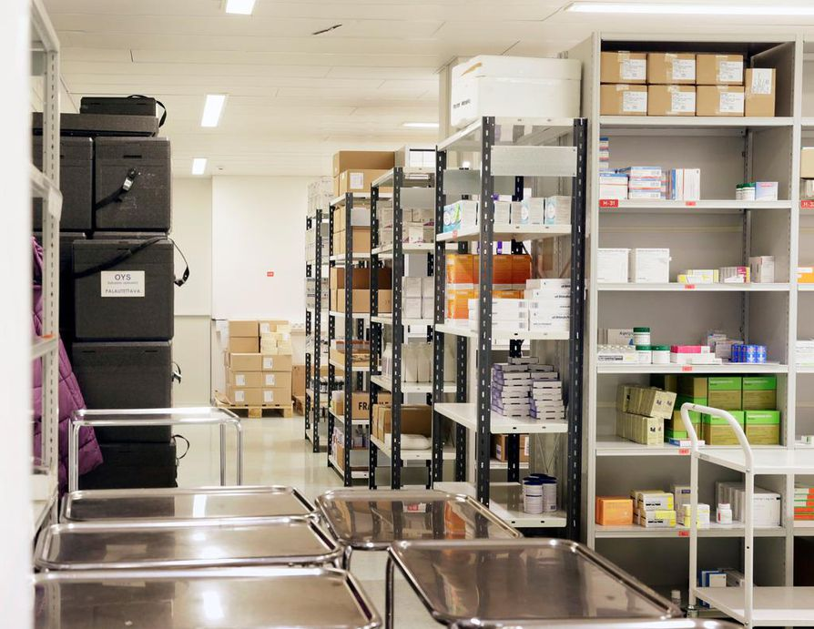 Oriola toimittaa jopa puoli miljoonaa lääkepakkausta apteekeille ja sairaaloille. Arkistokuva.