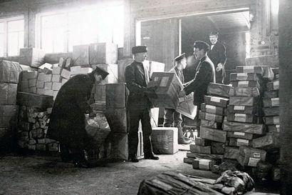 Rajajoen yli tuli jopa 10 000 pakettia päivässä – Tornionlaakson kautta oli ainoa turvallinen postireitti Venäjän ja Euroopan välillä