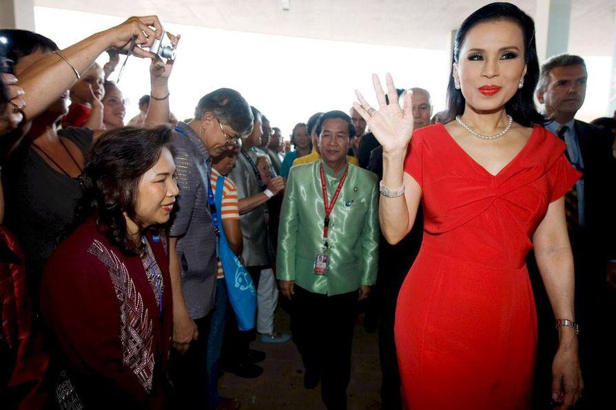 Thaimaan prinsessa Ubolratana (oik.) vieraili Expo Zaragoza -näyttelyssä Espanjassa vuonna 2008.