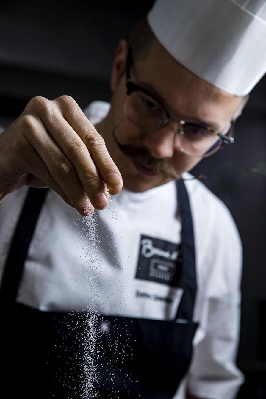 Samakin ruoka voi eri päivinä ja eri seurassa maistua erilaiselta, keittiömestari Ismo Sipeälinen sanoo.