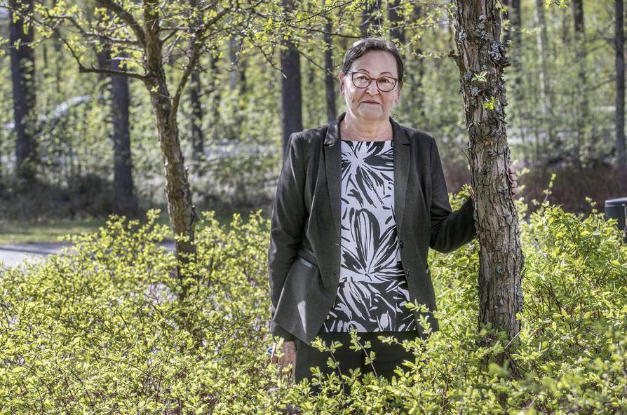 Heli Jantunen on Oulun yliopiston mikroelektroniikan tutkimusyksikön johtaja.