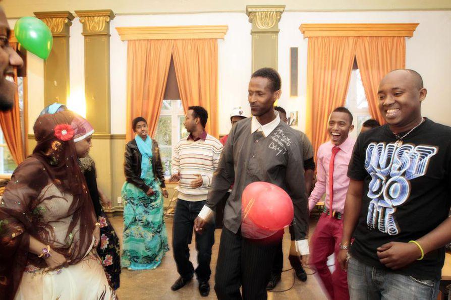 Somalit järjestivät juhlat kotimaansa uuden hallituksen ja presidentin kunniaksi syyskuun lopussa.