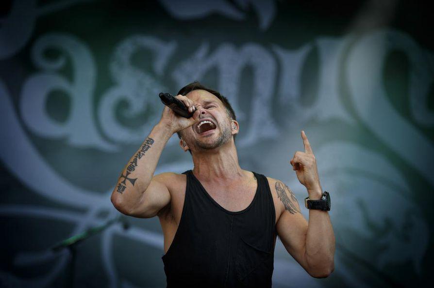 The Rasmus esitti keikallaan niin mittavan kavalkadin vanhoja hittejä, että laulaja Lauri Ylönen unohti Liquid-kappaleen sanat.