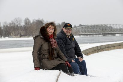 Oulussa tutkitaan, kuinka 6G-teknologia voidaan yhdistää lääketieteeseen – Professori visioi, kuinka VR-lasit voitaisiin valjastaa Alzheimerin taudin tai kuntoutumisen seurantaan