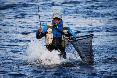 """Kuusamon Koverrusjärvi maailmankartalle perhokalastuksen MM-kisoissa – """"Se on sopivan kokoinen, siinä on hyvä kalasto, ja kulkuyhteydet ovat hyvät"""""""