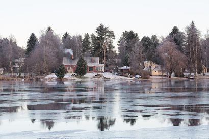 Oulujoen uhkaavia hyydetulvia yritetään torjua vähentämällä joen virtaamaa – vedenpinnat olleet kuluvana syksynä poikkeuksellisen korkealla
