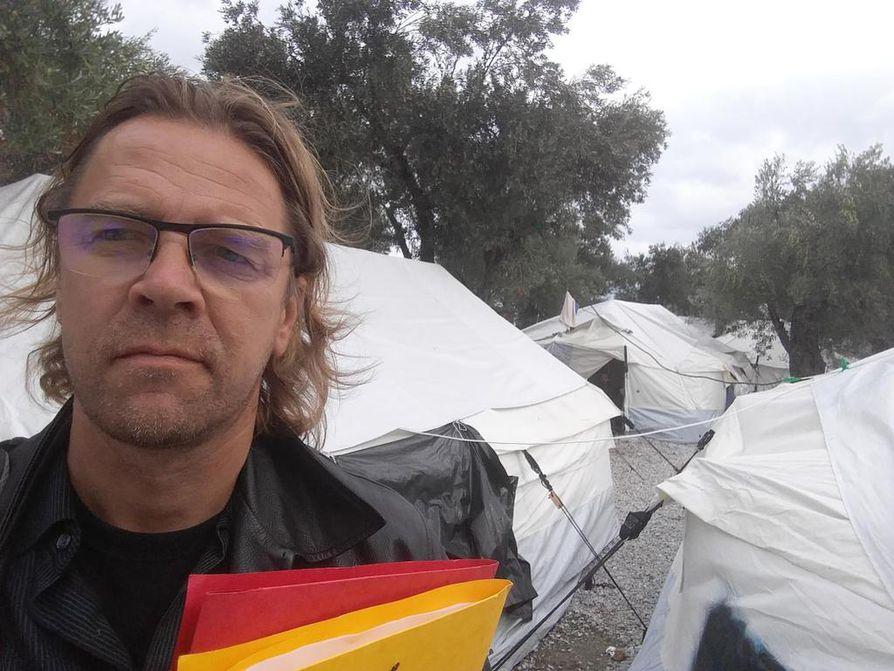 Lesboksen saarella siirtolaisten taustoja tutkinut Turun yliopiston maantieteen professori Jussi Jauhiainen varoittaa lähestyvän talven muuttavan Morian leirin asukkaiden olot sietämättömiksi.
