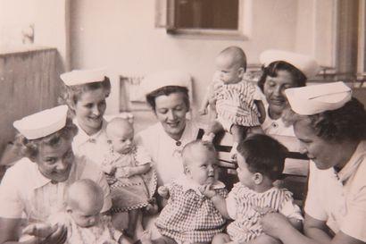 Lastensairaalan kiehtovat vaiheet – Kun Tuija Hiltunen jäi eläkkeelle, hän päätti koota työpaikkansa historian yksiin kansiin