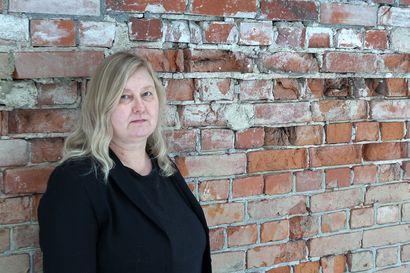 Kirja-arvostelu: Marjo Liukkosen Teloitusjonossa kertoo Hennalan kuolemanarpajaisista
