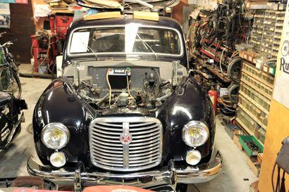 Simo Nieminen entisöi pajassaan harvinaista autoalan edelläkävijää – 70 vuotta myöhemmin sähköautot suunnitellaan samoilla periaatteilla