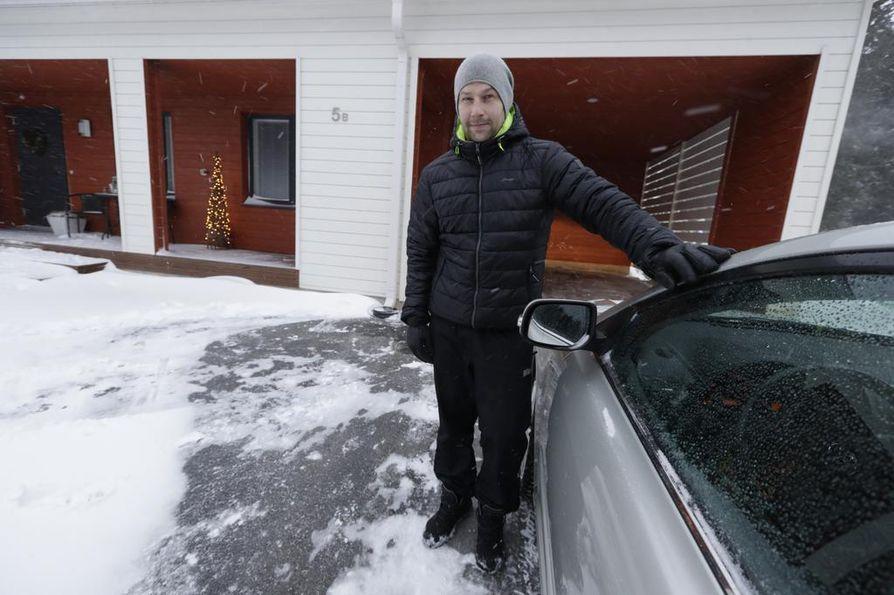 Limingassa asuva Tommi Nissilä kuuli maanjäristyksen äänen, mutta ajatteli, että äänet liittyivät yölliseen myrskyyn.