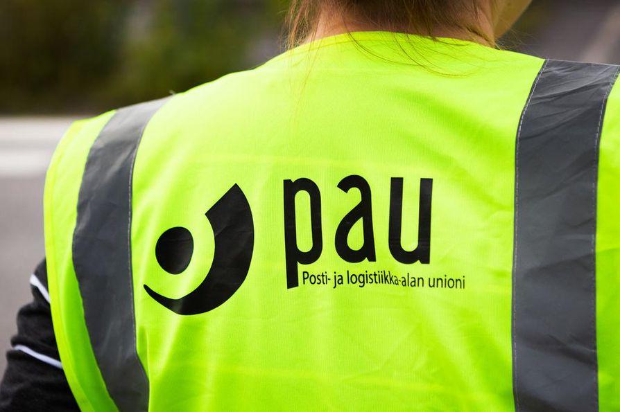 Posti- ja logistiikka-alan unioni uhkaa kahden viikon lakolla marraskuussa.