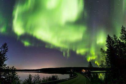 Revontulet leiskuvat ensi yönä – pohjoisimmassa Lapissa parhaat olosuhteet katseluun