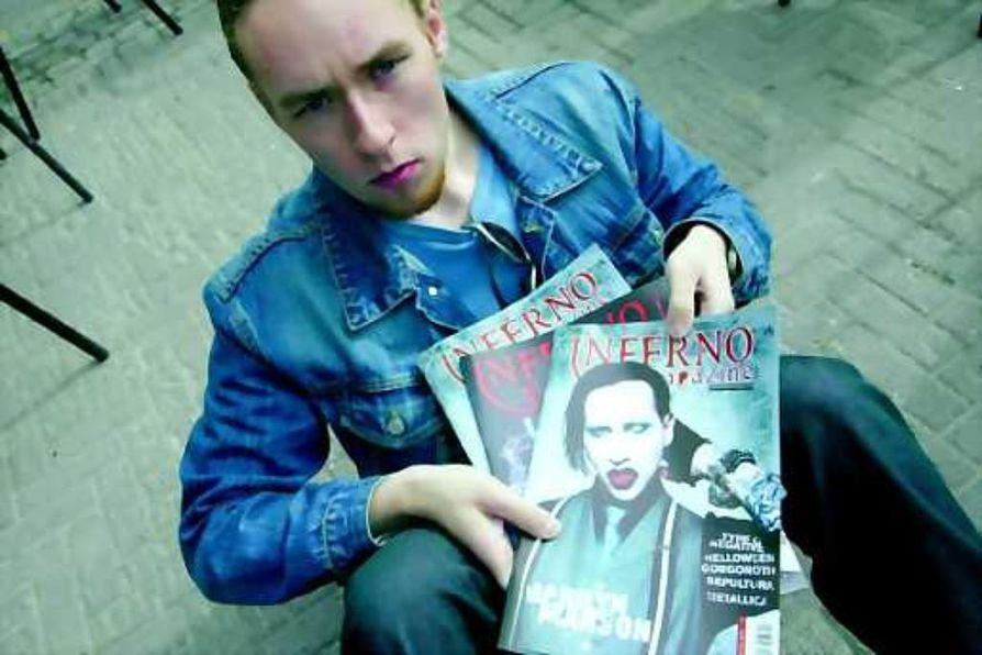 Rakkaudesta raskaaseen musiikkiin. Sauli Vuoti päätoimittaa lehteä, jolle oli kova kysyntä.