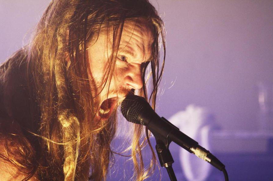 Jouni Hynynen ei usko, että rock on ihan vielä kuolemassa.
